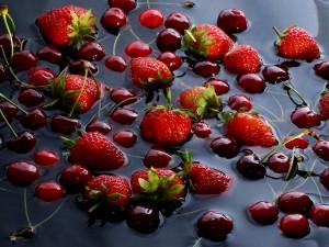 ягодный микс для шоколадно ягодного торта  фото