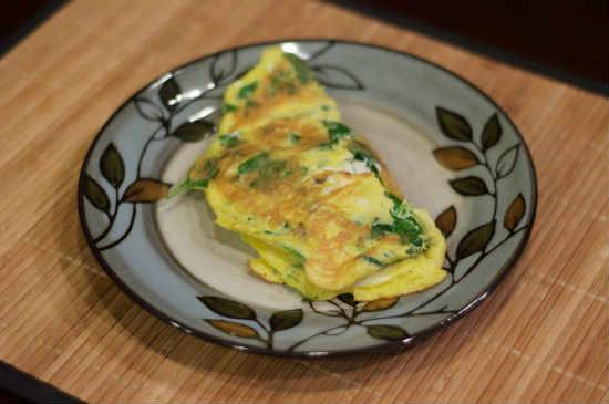 Омлет со шпинатом и сыром брынза рецепт