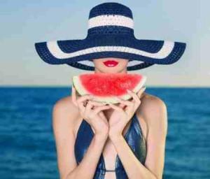 как защитить волосы летом фото