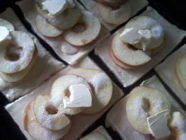 готовим слойки с яблоками