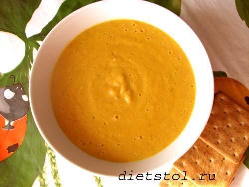 вегетарианский суп-пюре из красной чечевицы фото