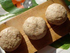 формируем булочки бездрожжевого хлеба