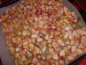 нарезать яблоки для сушки фото
