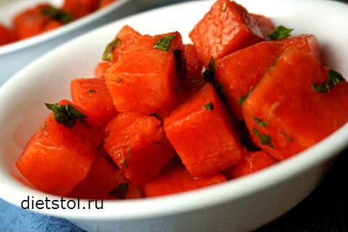 салат с арбузом рецепт - фото