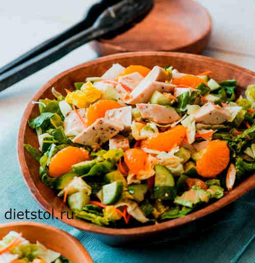 азиатский салат с отварной куриной грудкой рецепт