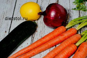 продукты для салата из свежей моркови и цуккини фото