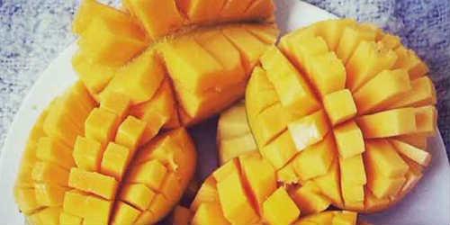 Как порезать манго правильно и красиво