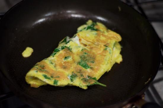 Омлет со шпинатом и сыром рецепт