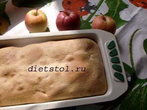 ржаная шарлотка с яблоками фото