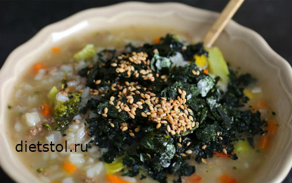 говядина с овощами и рисом  , морскими водорослями и кунжутом  фото