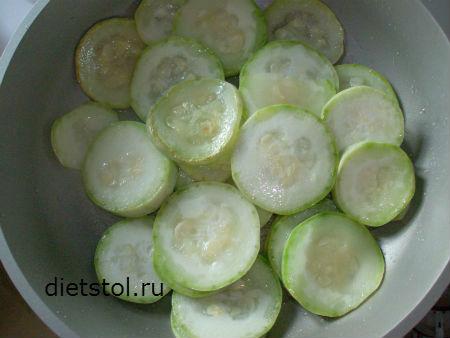 обжариваем кабачки на оливковом масле фото