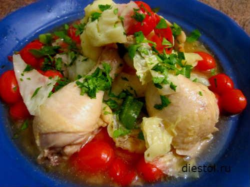 капуста тушеная с курицей и помидорами фото