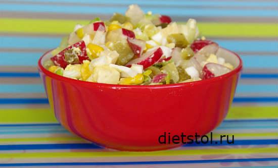 Салат с луком-пореем и яйцом рецепт