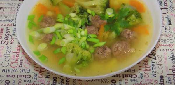 Овощной суп с фрикадельками из куриного фарша